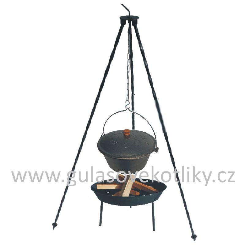 trojnožka 1,25 m + litinový kotlík s poklicí 7,5 litru a ohniště (kotlík na guláš 7,5 litru s poklicí na trojnožce 1,25 m)