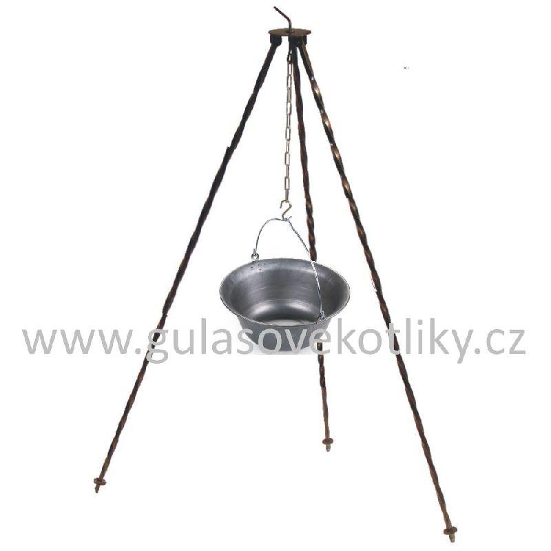 Trojnožka 1,25 m a gulášový kotlík železný 20 litrů (klasický železný kotlík na guláš 20 litrů a trojnožka ocelová 1,25 metr)