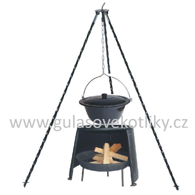 Trojnožka 1m kotlík smalt 10 l s poklici, závětří 33 a ohniště (smaltovaný kotlík s poklicí 10 litrů na trojnožce 1 m, závětří 33 cm a obniště)